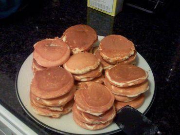 800px-Silver_dollar_pancakes